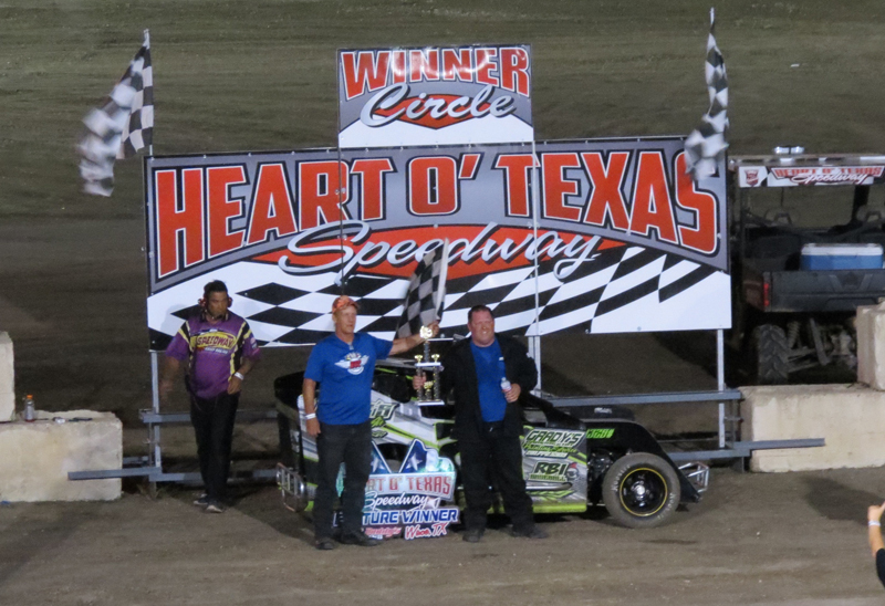 Abilenes Josh McGaha held off Paul White for Modified win at