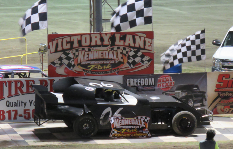Tommy Williams Jr  wins the exciting IMCA Modified feature